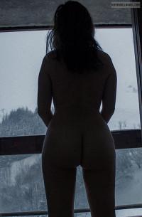 nude,window,voyeur,ass,balcony,naked,slave
