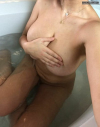 big tits,big boobs,deep cleavage,long legs,sex,hot,naked,bath,milf