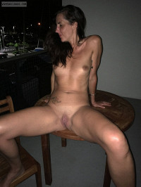 nude,naked,shaved pussy,exposed