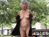 mature wife,public flash,city park,no bra or panties