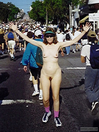 Exhibitionist,Lifestyle,Nude in Public,Nude Wife,Nude Milf,Bare Breasts,Nipples,Bare Pussy,Trimmed Pussy,Bare Legs,San Francisco,Bay to Breakers,Bare to Breakers,People,Crowd,Sunglasses,Smile,Sneakers,Socks,Plzdntchgmytags