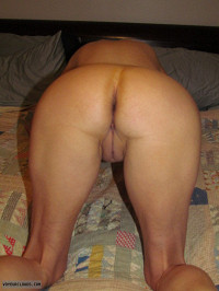 fuck ready,smooth pussy,nice ass,great legs,lovely asshole,exhibitionist,slutwife,milf,great fucking view