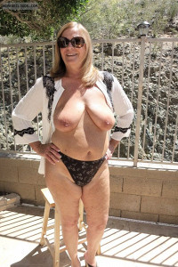 Exhibionist,Showall,Voyeur Photos,Look into other's Adult Lifestyle,Naked in Public,Cock Tease