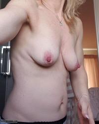 hard nipples,pink nipples,selfie,small Boobs,nipples, milf boobs,