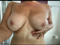 Saggy,boobs,tits,shower,hotel,wet