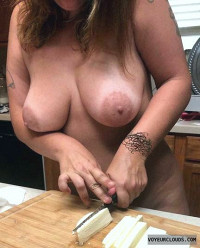 cooking nude,big tits,milf,farm fresh,areola,nipples