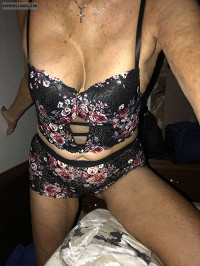 Mature,,sexy wife