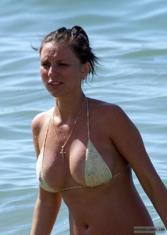 beach voyeur, pokies, young woman, bikini top, round tits