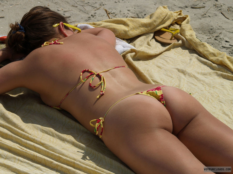 beach voyeur, voyeur, bikini, ass, ass cheeks, sunbathing
