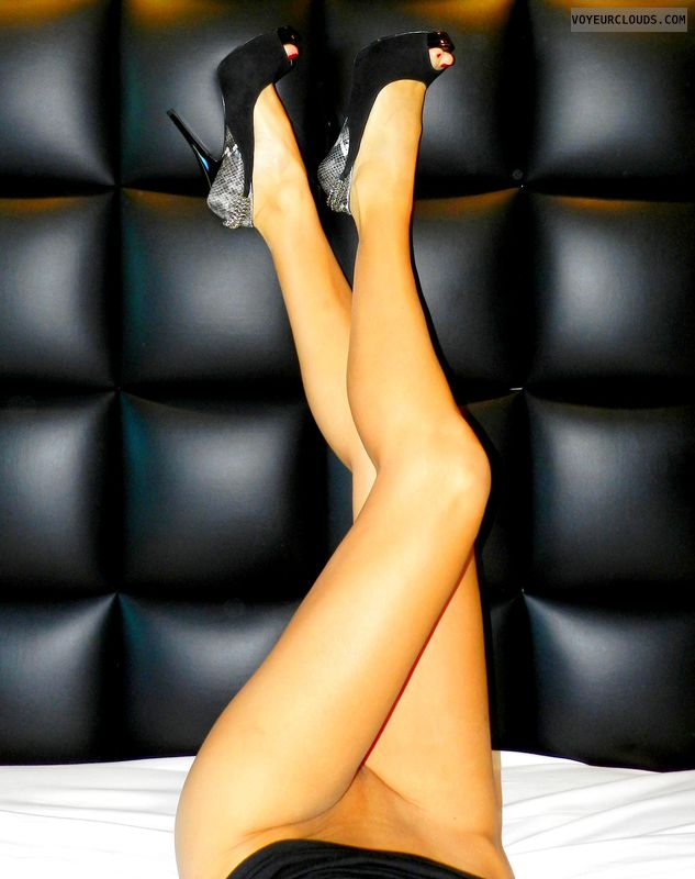 Sfiziosa, high heels, long legs, fetish