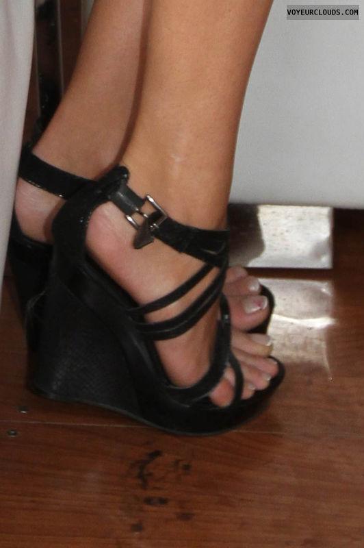 high heels voyeur, voyeur, high heels, high-heels