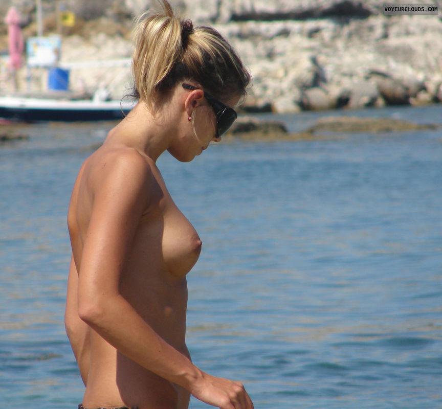 beach voyeur, voyeur, topless, topless beach, tits