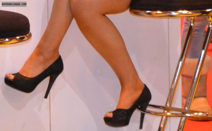 high heels voyeur, high heels, shoes, shoe voyeur