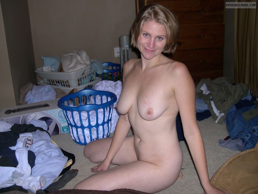 Nudist young wife