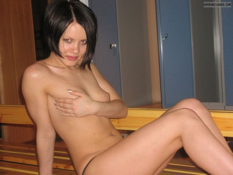Naked girls fuck photos