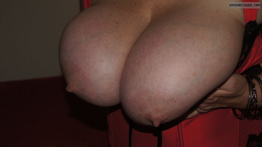wife tits, big tits, exposed boobs