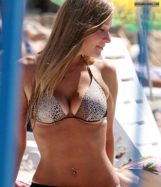 beach voyeur, bikini, blonde, sexy, bikini voyeur