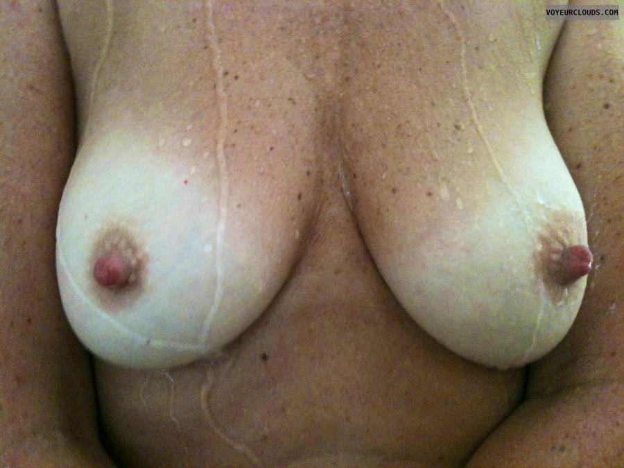 Amateur milf hard nipples