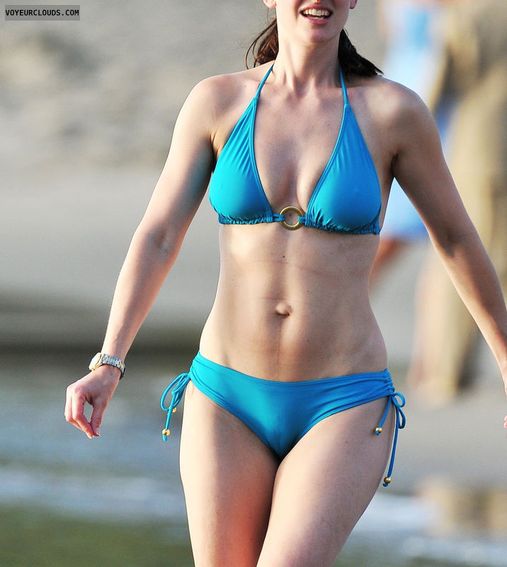 Voyeur Bikini 104