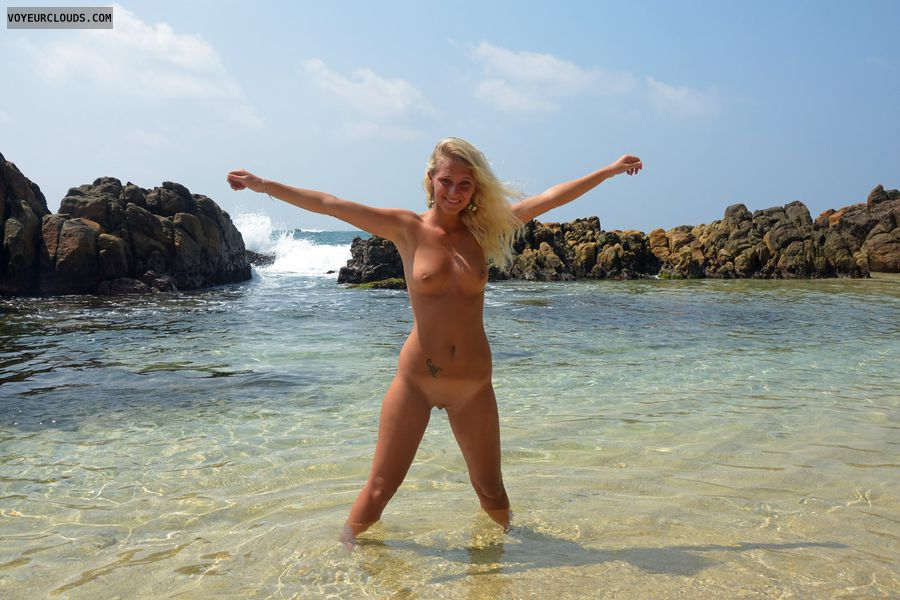 full nude, blonde, holidays, beach, tanlines