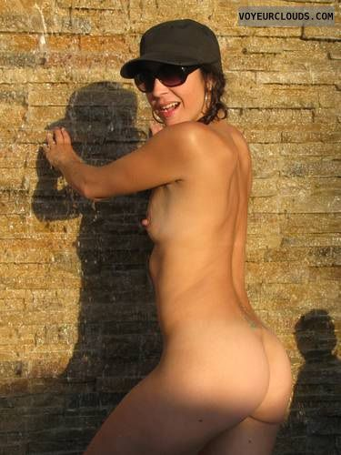 bubble-ass-brunette-nude-slim-big-chested