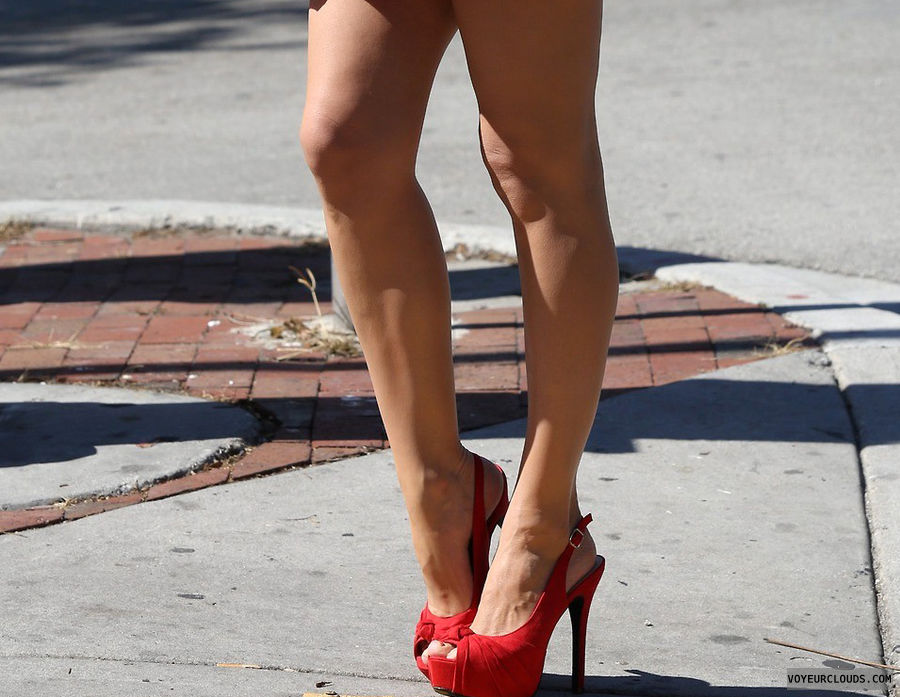 high heels,sexy shoes,shoe voyeur,street voyeur,legs,slingbacks,red shoes,sexy high heels,red high heels,