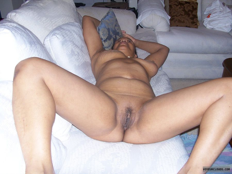 naked on bed xxx