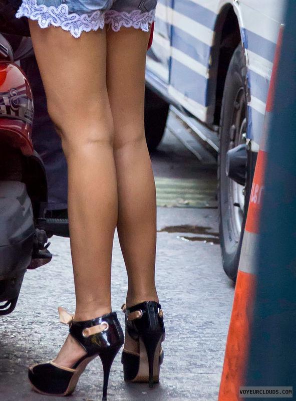 high heels, sexy shoes, legs, street voyeur, shoe voyeur