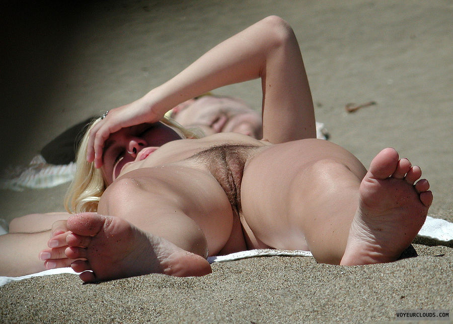 beach voyeur, dark pubic hair, blonde, beach pussy