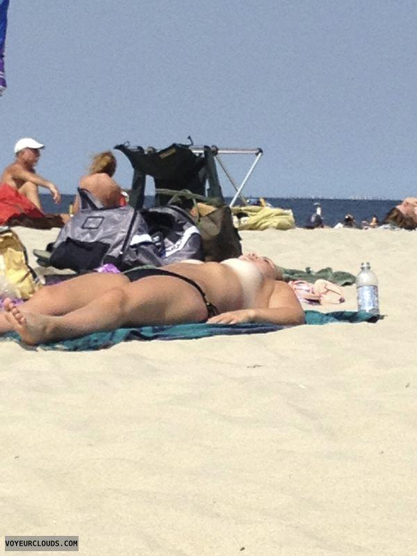 beach voyeur, topless beach, topless beach voyeur