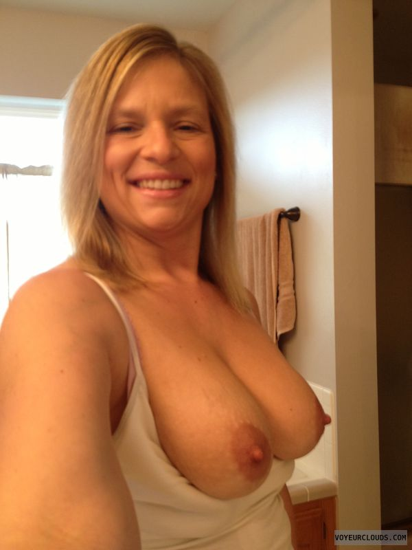 Wife tits exposed pix
