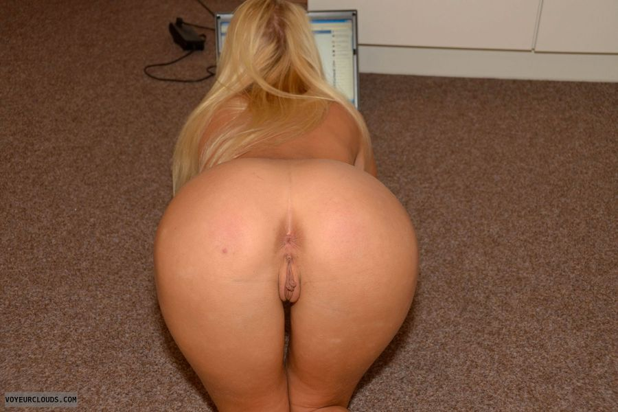 full nude, blonde, beauty, young woman, ass, butt