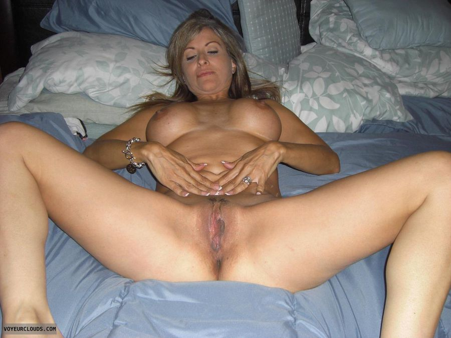 Naked spread wife