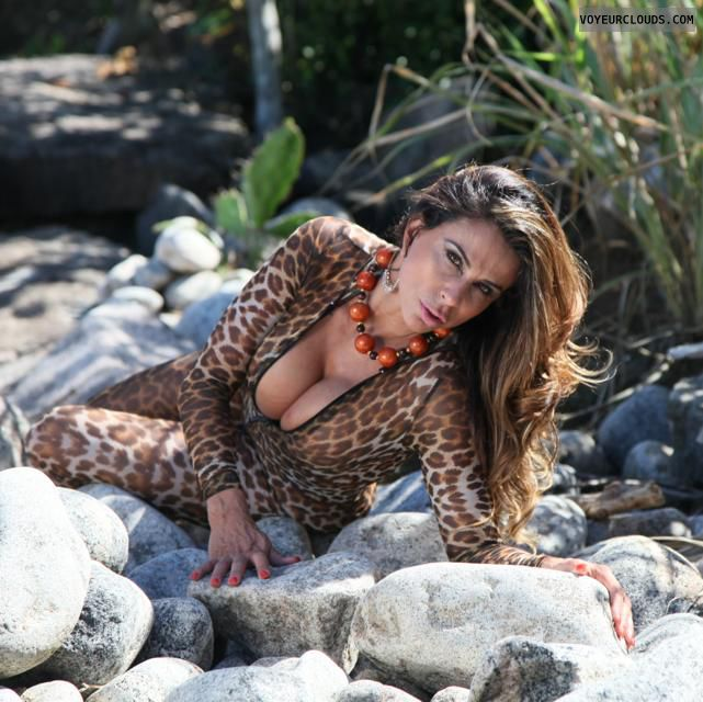 puta milf, milf, animal print