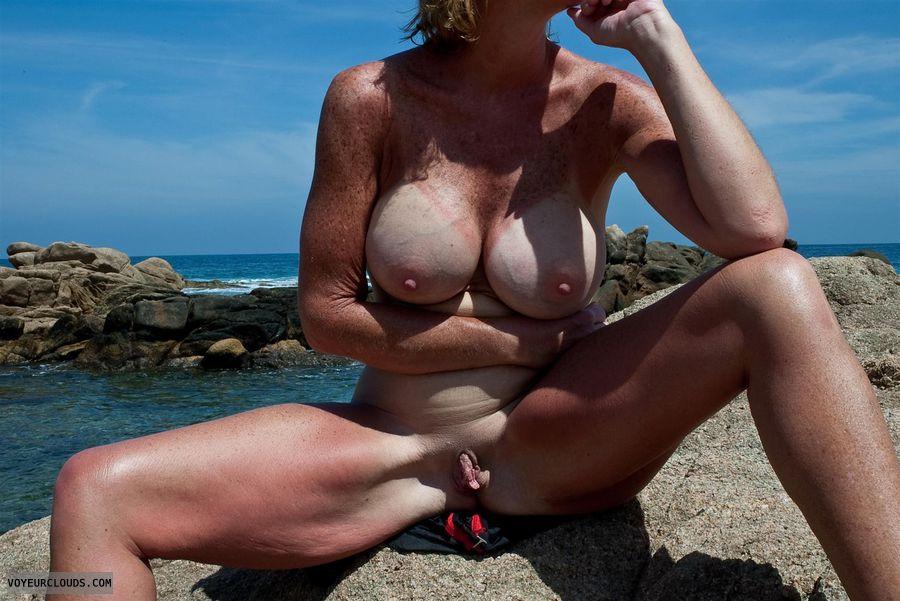 Beach clit