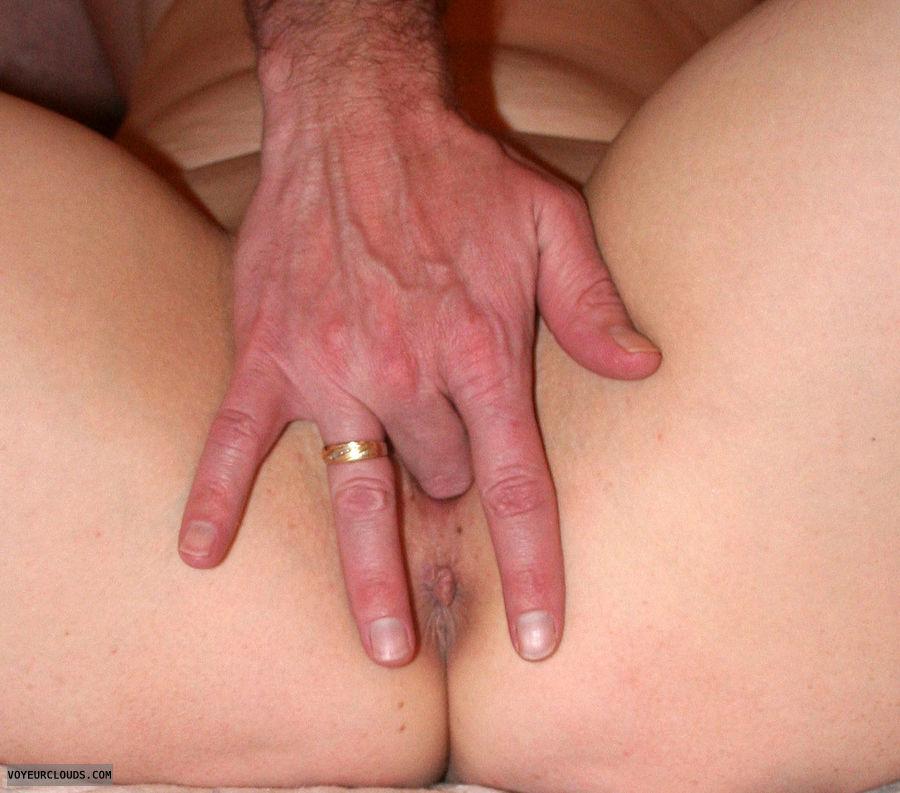 hotwife fingers