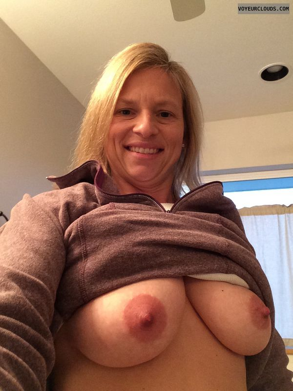 wife tits, wife selfie, wife nipples, blonde milf