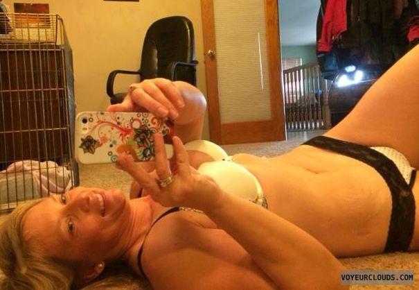 wife selfie, blonde milf, selfie, smile, milf selfie