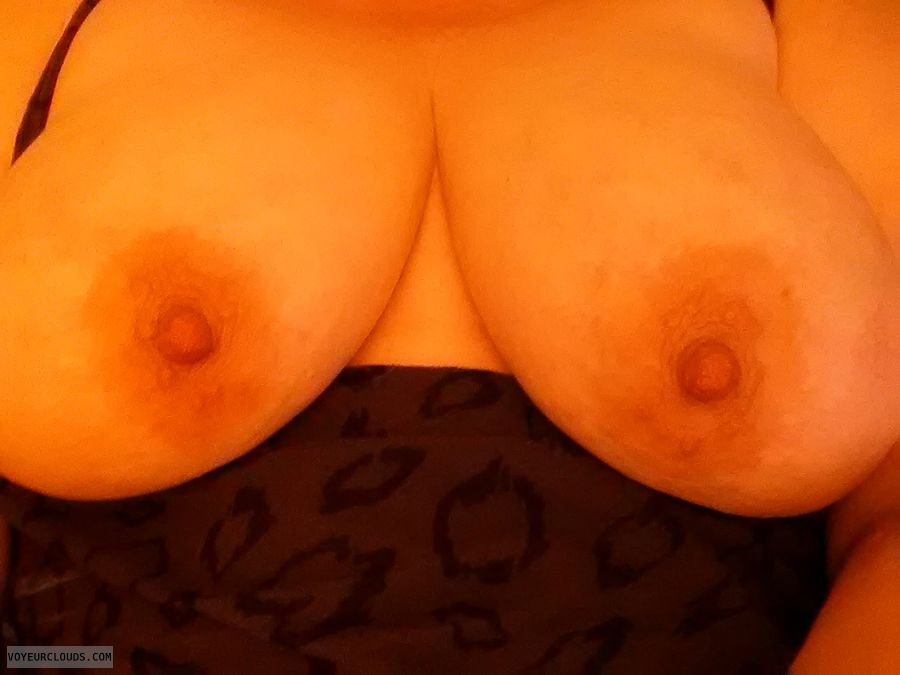 swinger wife, wife tits, wife nipples, hotwife, titties