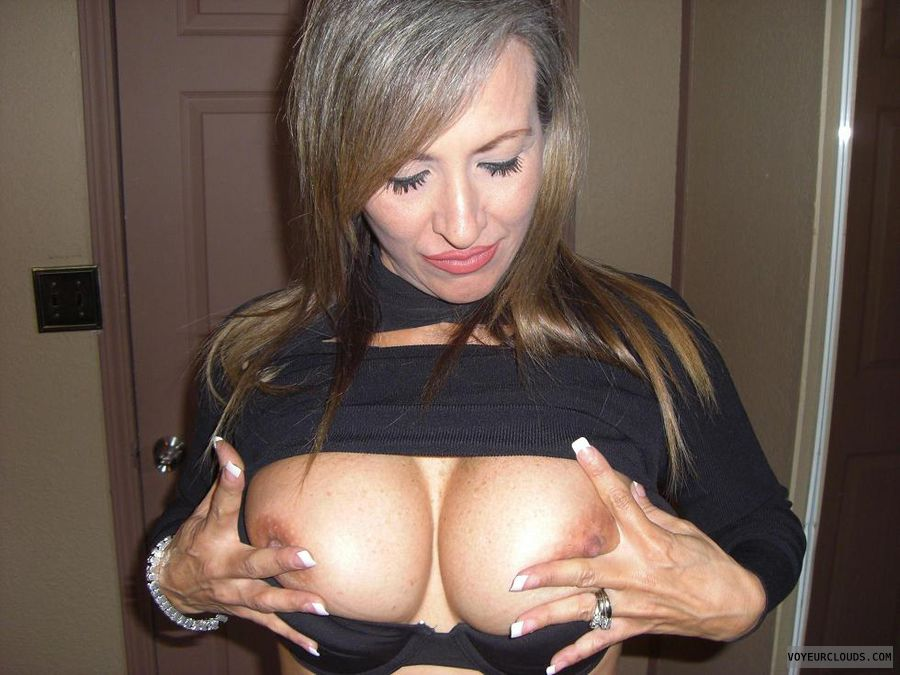 latina wife | photos and videos - page 1 - voyeurclouds vcity