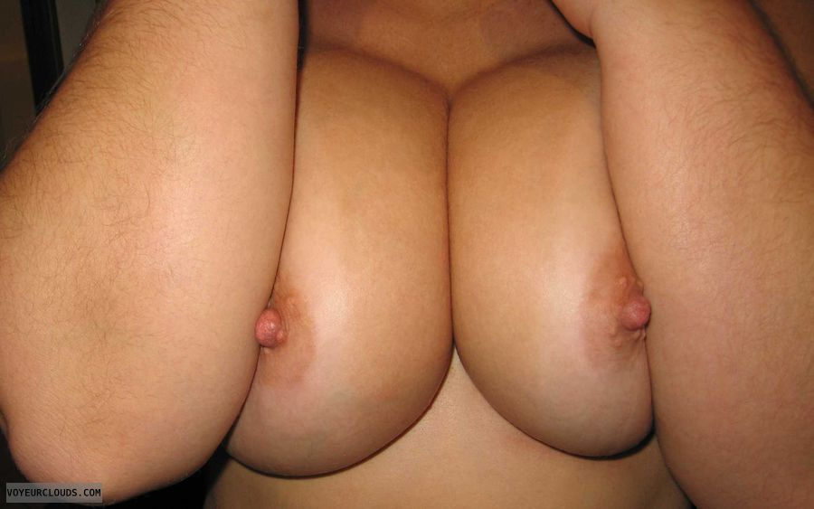 wife tits, wife nipples, wife Boobies, Cleavage, Peekaboo Nipples