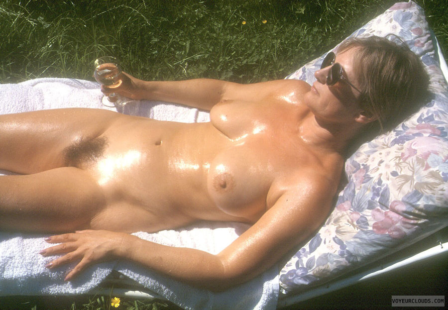 Amateur Oiled Wife 25