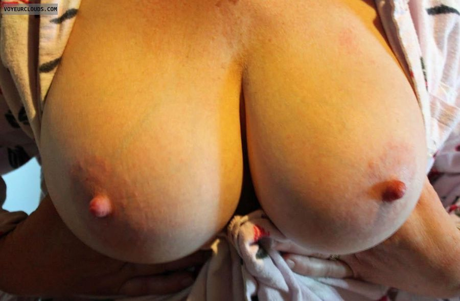 Pussy shaved squirting