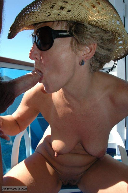 Hot milf tabitha gives excellent oral