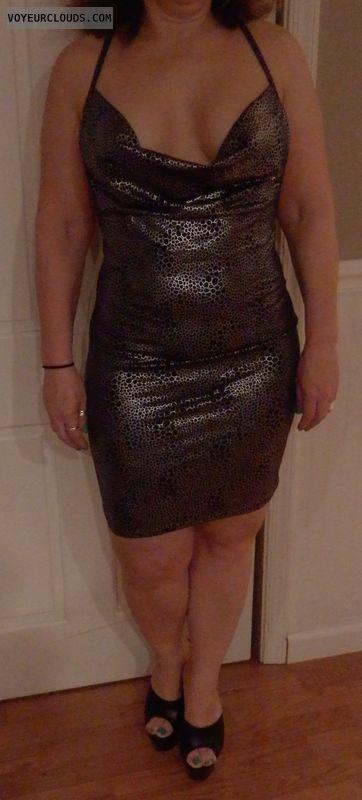 cleavage, hoochie dress, high heels