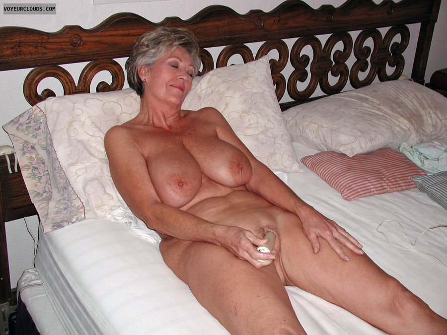 Mature Woman With Dildo 66