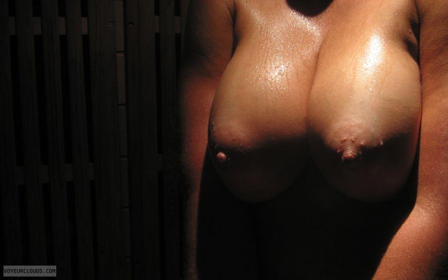 wife tits, wife nipples, big boobs, deep cleavage
