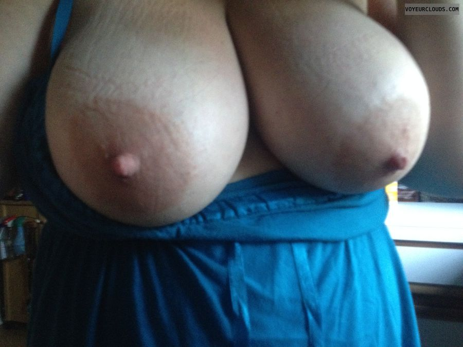 big tits, huge aurolas, hard nipples, tits out