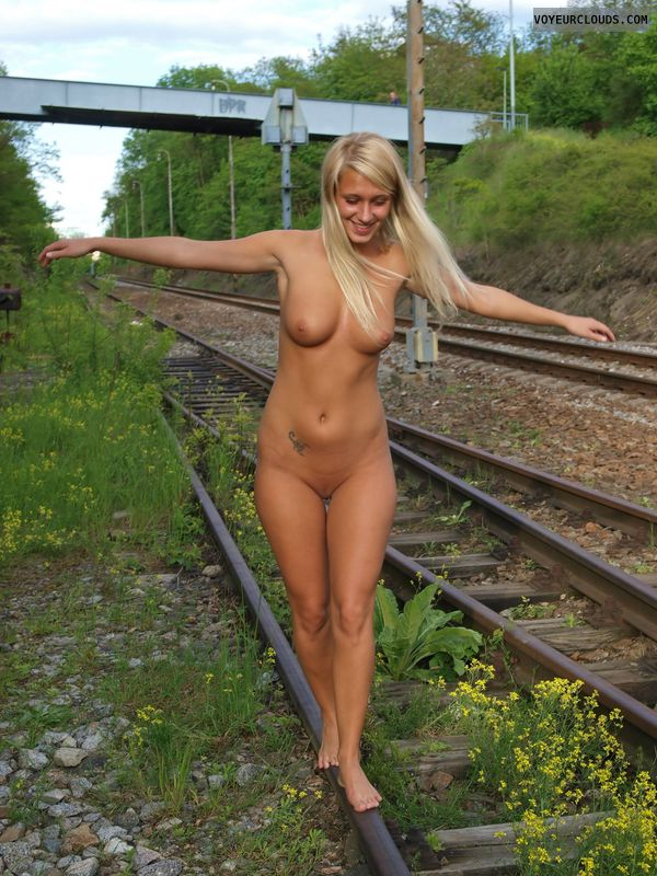 full nude, blonde, beauty, young woman, barefoot, nature
