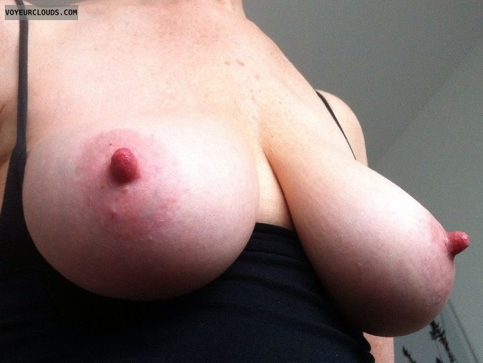 sexy milf, big tits, natural tits, pink nipples, tits out